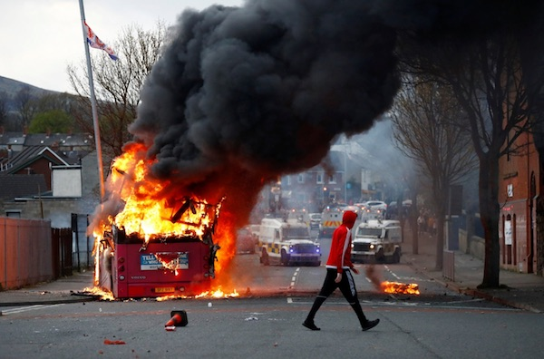 burningbus2.jpg