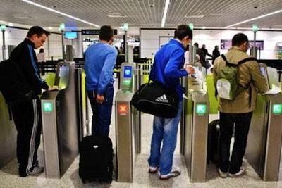 emigrationairport.jpg